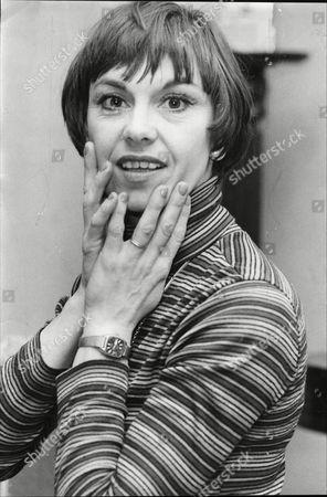 Actress And Dancer Elizabeth Seal