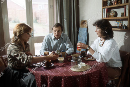 Barbara Flynn as Jill Swinburne, James Bolam as Trevor Chaplin and Alison Skilbeck as Helen