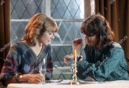 Barbara Flynn as Jill Swinburne and Alison Skilbeck as Helen