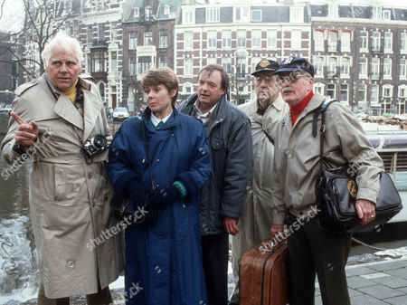 John Alderson as Tracy, Barbara Flynn as Jill Swinburne, James Bolam as Trevor Chaplin, Peter Carlisle as Harry and Don Fellows as Leo