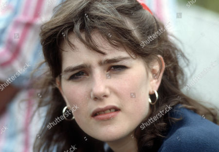 Judy Brooke as Yvonne Fairweather