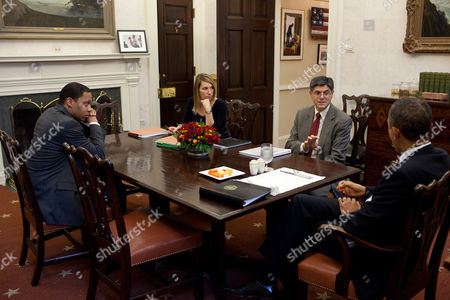 Rob Nabors, Assistant to the President for Legislative Affairs, Heather Higginbottom, Deputy Director of the Office of Management and Budget, Jack Lew, Director of the Office of Management and Budget and President Barack Obama, Oval Office Private Dining Room, Washington DC, America