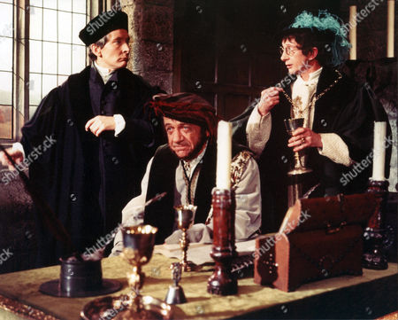Carry On Henry,  Kenneth Williams,  Sid James,  Charles Hawtrey