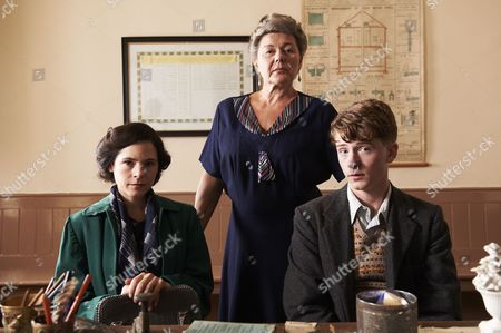 Elaine Cassidy as Maureen, Barbara Flynn as Mrs Beaumont and Josh Bolt as Henry.