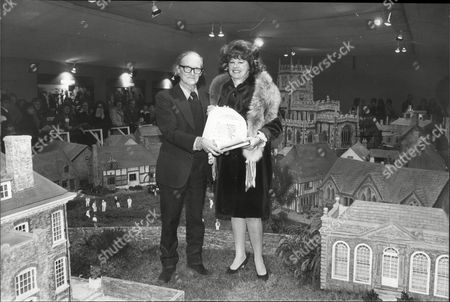Sir Hugh Casson Of Daily Mail Trust With Patricia Harmsworth / Viscountess Rothermere In Model Village At Ideal Home Exhibition 1979.