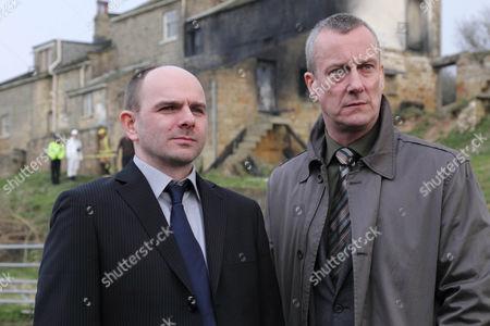Stock Image of 'DCI Banks' - Stephen Tompkinson as DCI Banks and Jack Deam as Ken Blackstone.