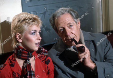 Leslie Ash as Ros Bedwell and Robin Bailey as Alan Calcutt