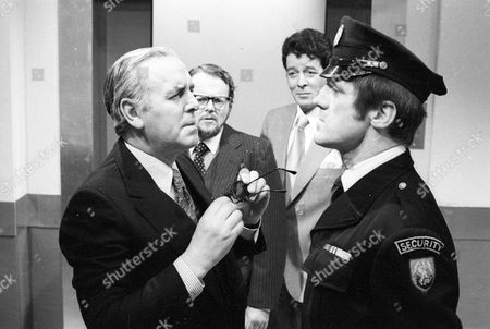 George Cole as Willie, Bill Wallis as Tom, Edward de Souza as Barry and Terry Gurry as Security Guard