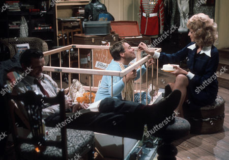 Stock Photo of Paddy Joyce as Jaws McIlroy, Bill Wallis as Aldous Hooper and Sharon Maughan (as Sharon Mughan) as Janine Lassoo