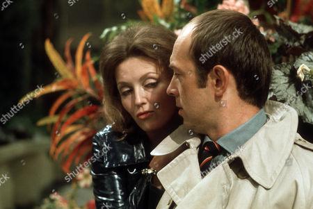 Sarah Badel as Peg and Roy Marsden as Frank