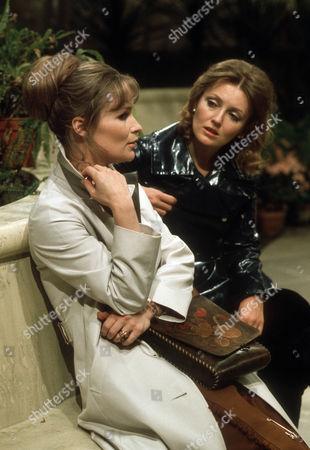 Ciaran Madden as Ellen and Sarah Badel as Peg