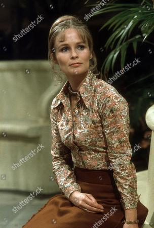 Ciaran Madden as Ellen