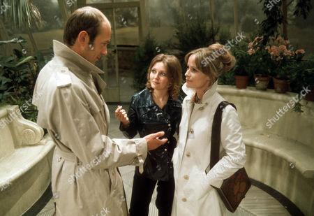 Roy Marsden as Frank, Sarah Badel as Peg and Ciaran Madden as Ellen