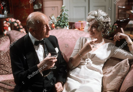 Roland Culver as Sir G  and Judy Campbell as The Lady