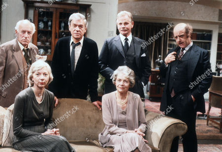 Back - Cyril Luckham as Dr Baston, Paul Scofield as James Callifer, Allan Cuthbertson as John Callifer and David Swift as Dr Kreuzer. Front - Anna Massey as Sara Callifer and Celia Johnson as Mrs Callifer