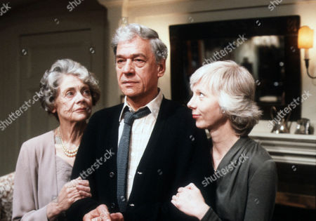 Celia Johnson as Mrs Callifer, Paul Scofield as James Callifer and Anna Massey as Sara Callifer