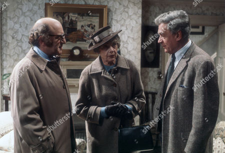 David Swift as Dr Kreuzer, Celia Johnson as Mrs Callifer and Paul Scofield as James Callifer