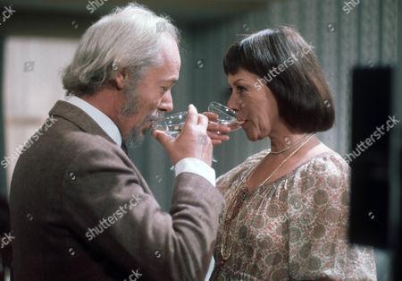 Michael Bryant as John and Dorothy Tutin as Joan