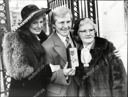 Jim Watt Boxer With Wife Margaret Watt And His Unnamed Mother As He Is Awarded Mbe At Buckingham Palace 1980.