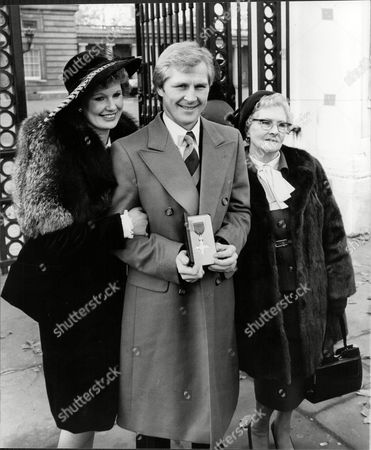 Jim Watt Boxer With Wife Margaret Watt And His Unnamed Mother All At Buckingham Palace As He Receives Mbe 1980.