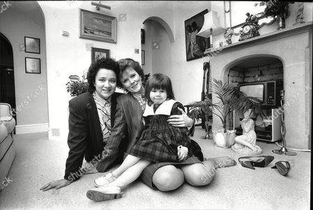Stock Photo of Patricia Shakesby Actress With Her Niece Yasmin And Yasmin's Daughter Lauren (no Surnames Given) 1988.