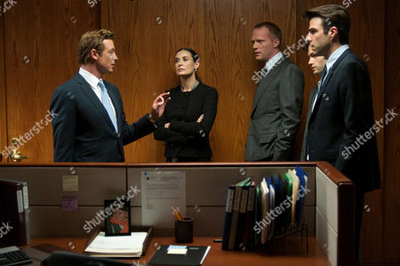 Margin Call - Simon Baker, Demi Moore, Paul Bettany, Penn Badgley and Zachary Quinto