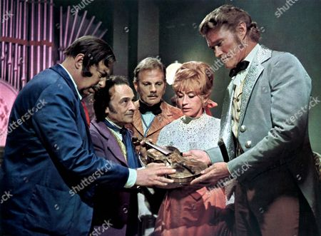 Captain Nemo And The Underwater City,  Bill Fraser,  Kenneth Connor,  Alan Cuthbertson,  Nanette Newman,  Chuck Connors