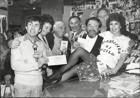 Stock Image of Melvyn Hayes Ella Glazer Harold Berens Lee Montague David Lodge Bernard Spear And Adrienne Posta; Actors Of The Celebrities Guild Of Great Britain At Ideal Home Exhibition 1982.