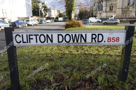 Clifton Down Road Clifton Bristol. Re- Alternative Route That The Killer May Have Taken The Body Of Joanna Yeates From Her Home In Canynge Road To Longwood Lane. Pic 2 On Map.