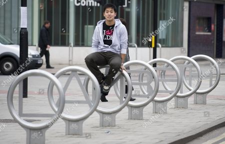 Stock Picture of Young Entrepreneur Anthony Lau Md Of Cyclehoop Ltd Picture By Glenn Copus