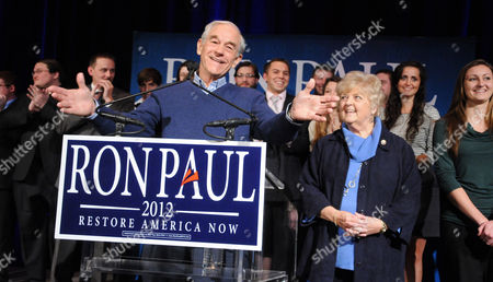 Stock Picture of Ron Paul and wife Carol Wells