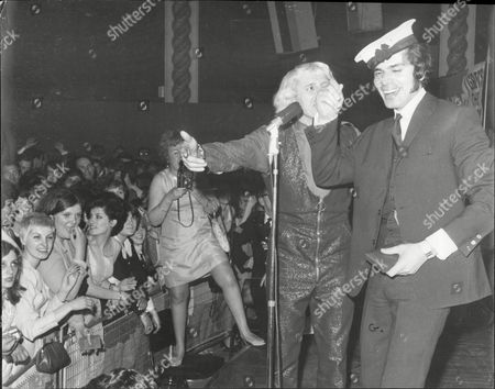 Singer Engelbert Humperdinck And Dj Jimmy Savile At The Weekend Mail's Dance At The Lyceum Ballroom In London.