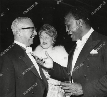 Elizabeth Simon And Thomas Baptiste Singers Meet Robert Rodgers Lord Mayor Of Manchester At Daily Mail Jazz Festival Belle Vue Manchester 1963.