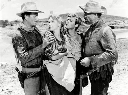 Hondo,  John Wayne,  Geraldine Page,  Ward Bond