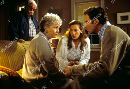 In & Out (In And Out),  Wilford Brimley,  Debbie Reynolds,  Joan Cusack,  Kevin Kline