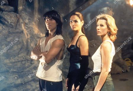 Stock Photo of Mortal Kombat : Annihilation,  Robin Shou,  Talisa Soto,  Sandra Hess