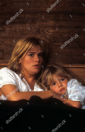 Flowers In The Attic,  Kristy Swanson,  Lindsay Parker