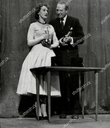 Daily Mail National Radio And Television Awards At The London Scala Theatre Best Actress Anne Crawford With Best Actor Patrick Barr