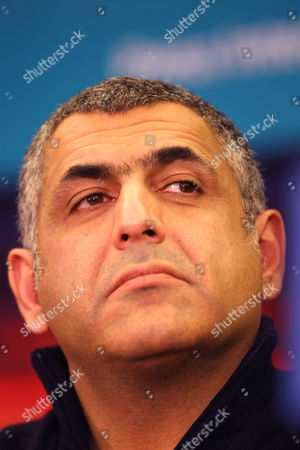"""Mani Haghighi at the """"A Simple Reception"""" film press conference"""