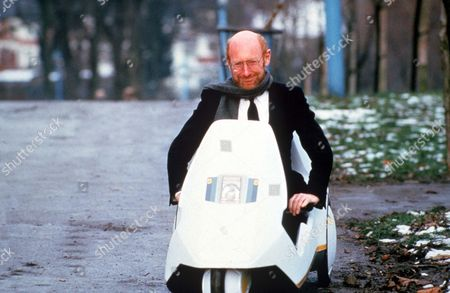 Obituary - Computing Pioneer Clive Sinclair dies aged 81