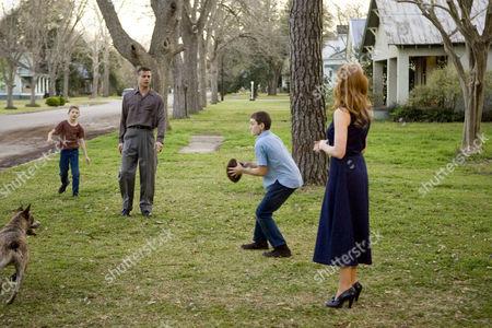 The Tree Of Life - Laramie Eppler, Brad Pitt, Hunter McCracken and Jessica Chastain