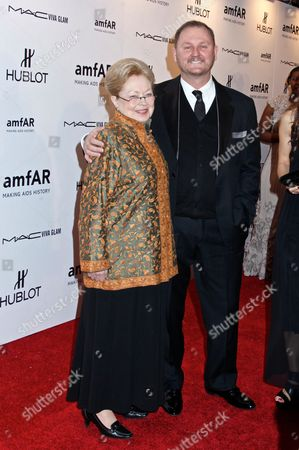 Stock Photo of Dr. Mathilde Krim and Kevin Robert Frost