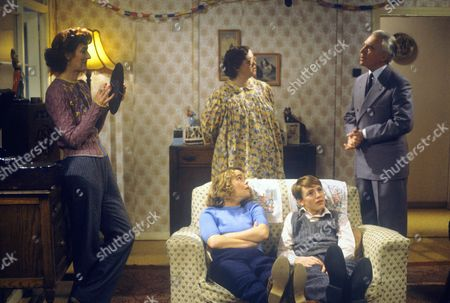 Stock Photo of Maggie Steed, Linda Robson, Pauline Quirke, Lee Whitlock and Mark Kingston