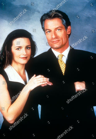 Melrose Place ,  Kristin Davis,  Perry King