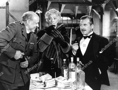 Folly To Be Wise,  Alastair Sim,  Martita Hunt,  Edward Chapman
