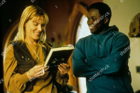 Hurricane,  Deborah Kara Unger (Deborah Unger),  Vicellous Reon Shannon