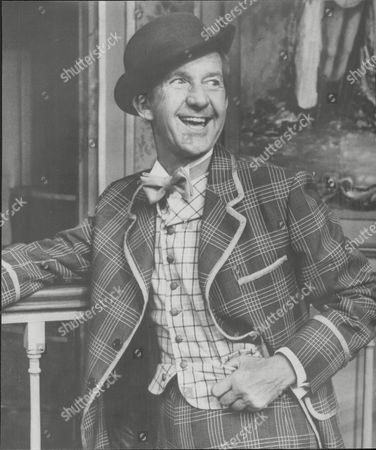Television Comedian And Actor Norman Vaughan In Calamity Janeat The Forum At Billingham Cleveland. Norman Vaughan (10 April 1923 - 17 May 2002) Was An English Comedian Who Led A Long And Successful Career In The Television And Theatre Appearing Occasionally In The Cinema.