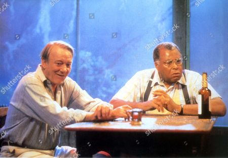 Scorchers,  Denholm Elliott,  James Earl Jones