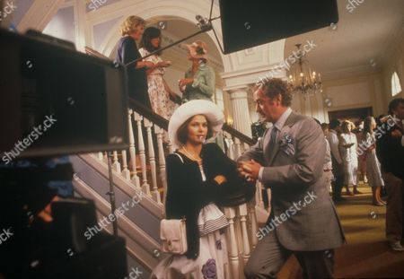 Sweet Liberty,  Lois Chiles,  Michael Caine