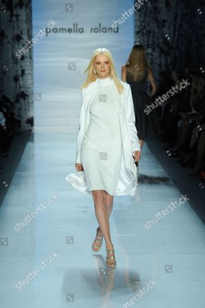 Carmen Kass on the catwalk